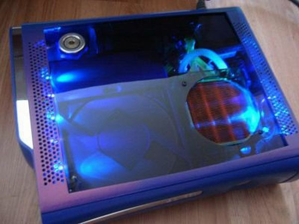 water-cooled-xbox-360-mod-is-too-cool-2