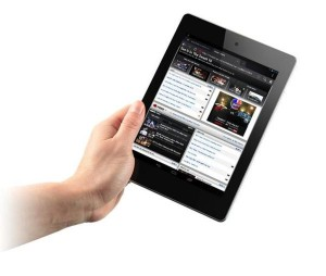 Acer-Iconia-A1_w_Hand