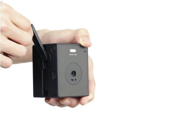 Hand-Crank-Digital-Camera